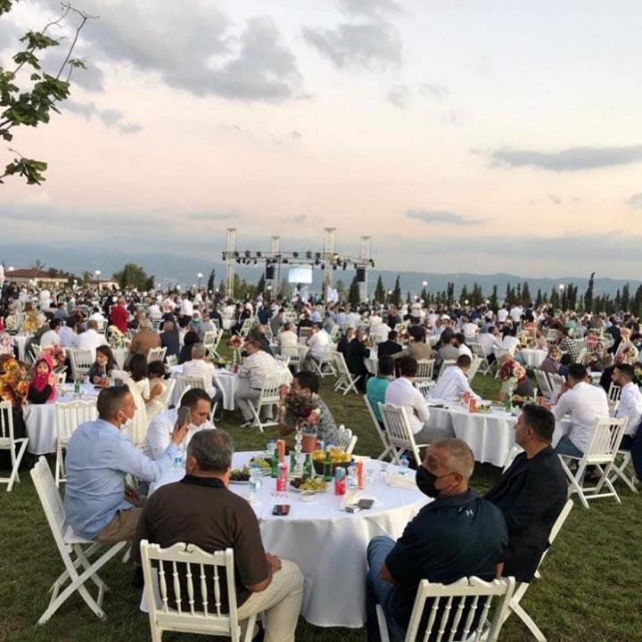 Yasağa rağmen yemekli düğün yapan AK Parti'li Yaman: Pişman değilim