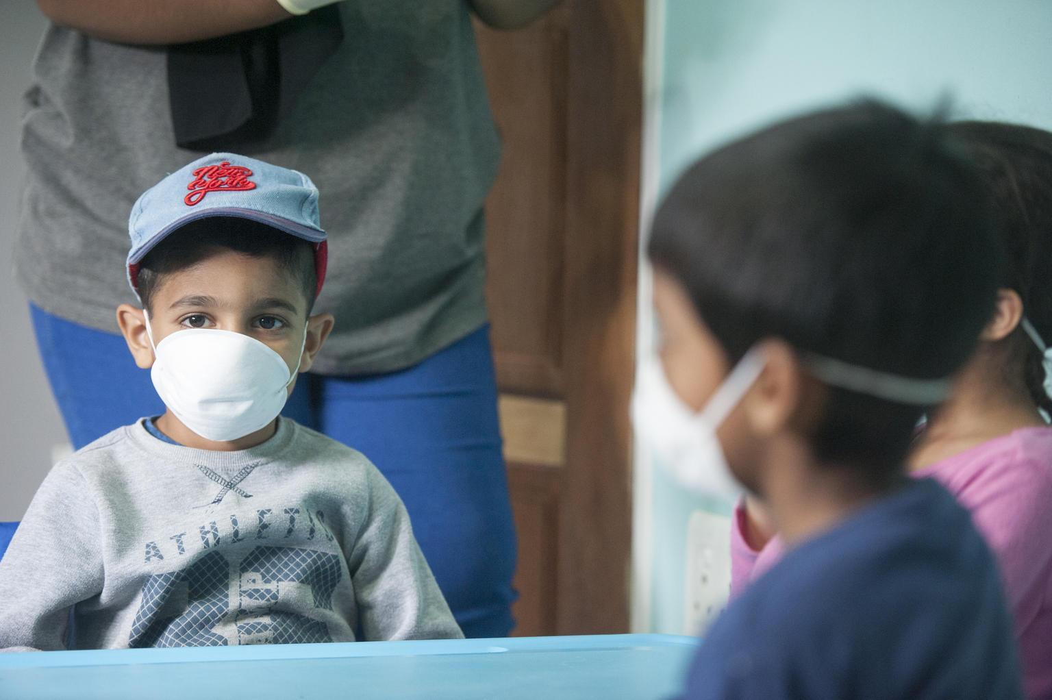 Salgının merkezinde korkutan rakam! 500 binden fazla çocuk Kovid-19'a yakalandı