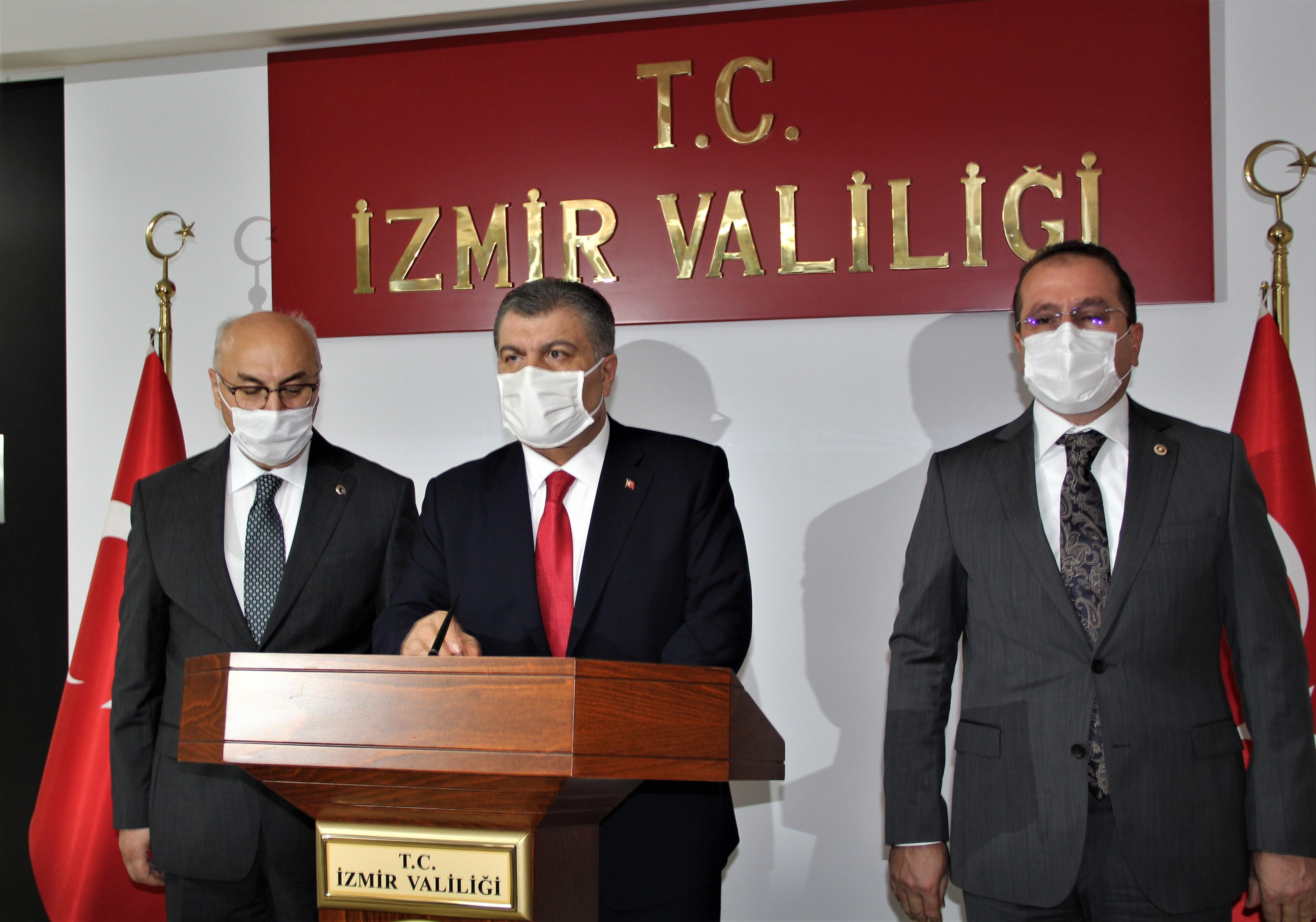 Bakan Koca'dan Kovid-19 açıklaması: Şiddetlenme yaşıyoruz