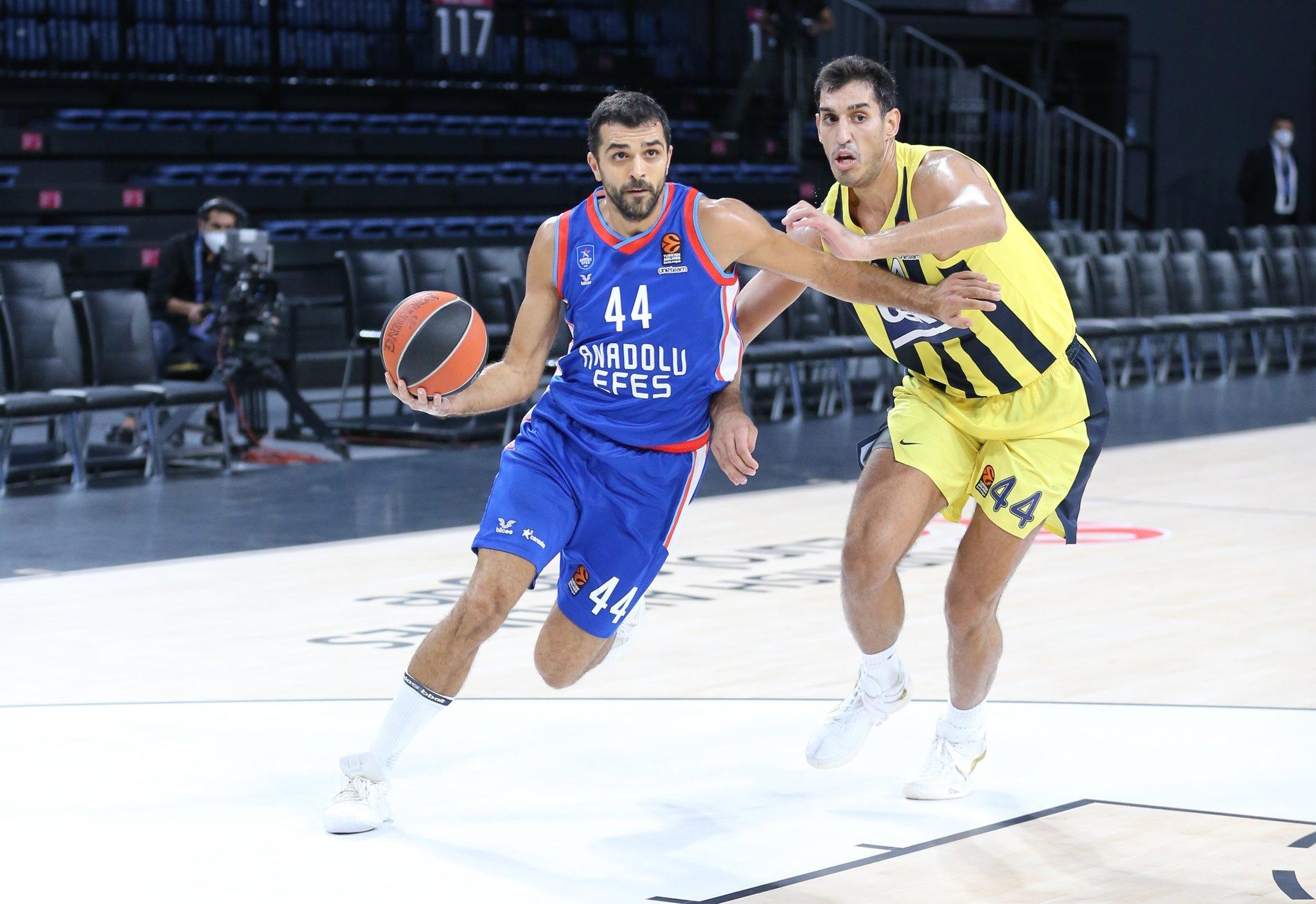 Avrupa'da Türk derbisinin galibi Fenerbahçe Beko!