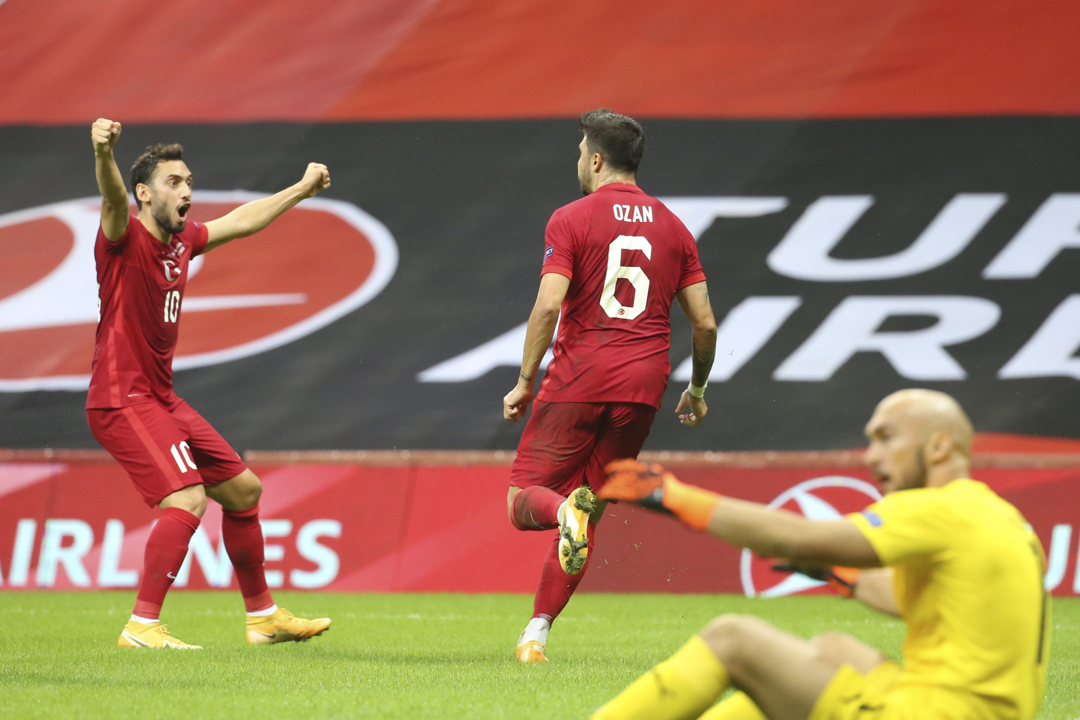 Türkiye A Milli Futbol Takımı, Sırbistan ile 2-2 berabere kaldı!