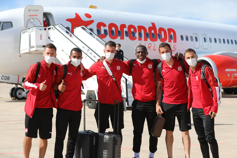 Sivasspor, Avrupa Ligi maçı için İspanya'ya uçtu