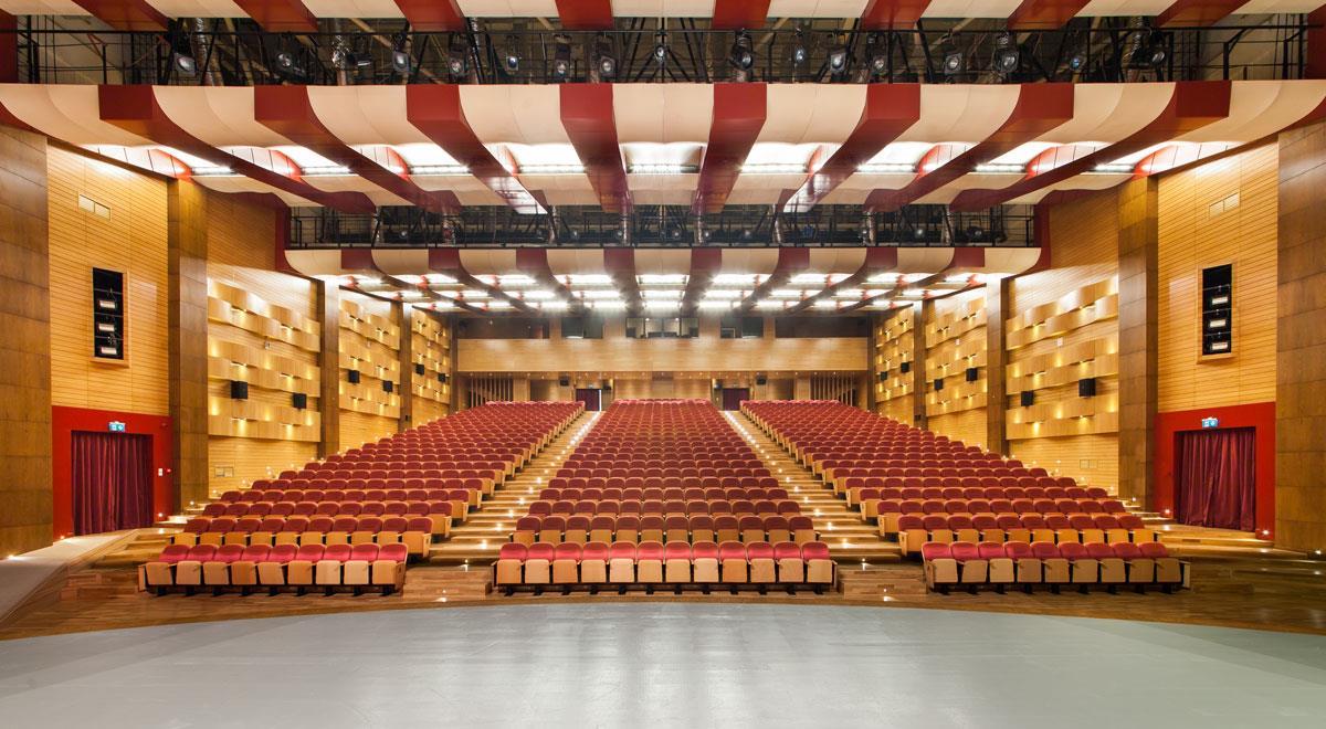 İBB'den yeni Kovid-19 tedbirleri: Salonlar, merkezler ve tiyatrolar kapanıyor