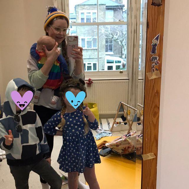 Oyuncu Jessie Cave'in bebeği koronaya yakalandı