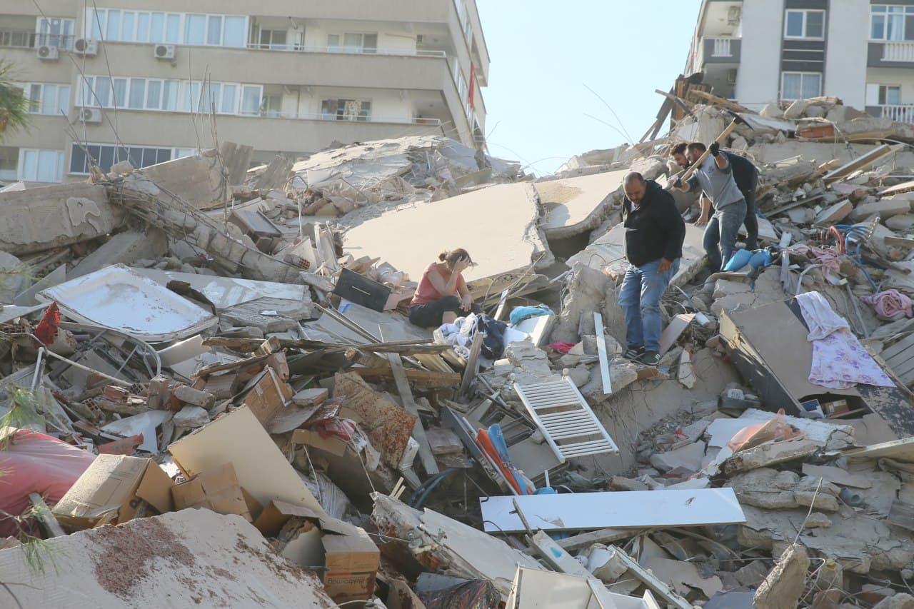 İzmir'deki korkutan depremlerin ardından Prof. Dr. Ahmet Ercan'dan 'yazlıklarınıza gidin' uyarısı