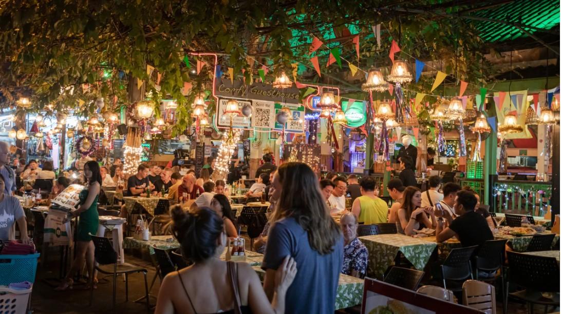 Restoran ve kafelerin süre sınırıyla açılacağı iddia edildi!