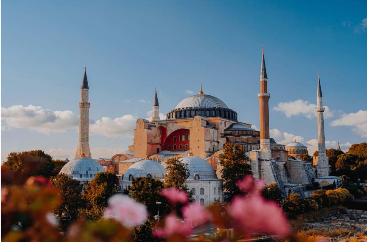 Diyanet İşleri Başkanı Ali Erbaş duyurdu: Bayram namazı camilerde kılınabilecek!