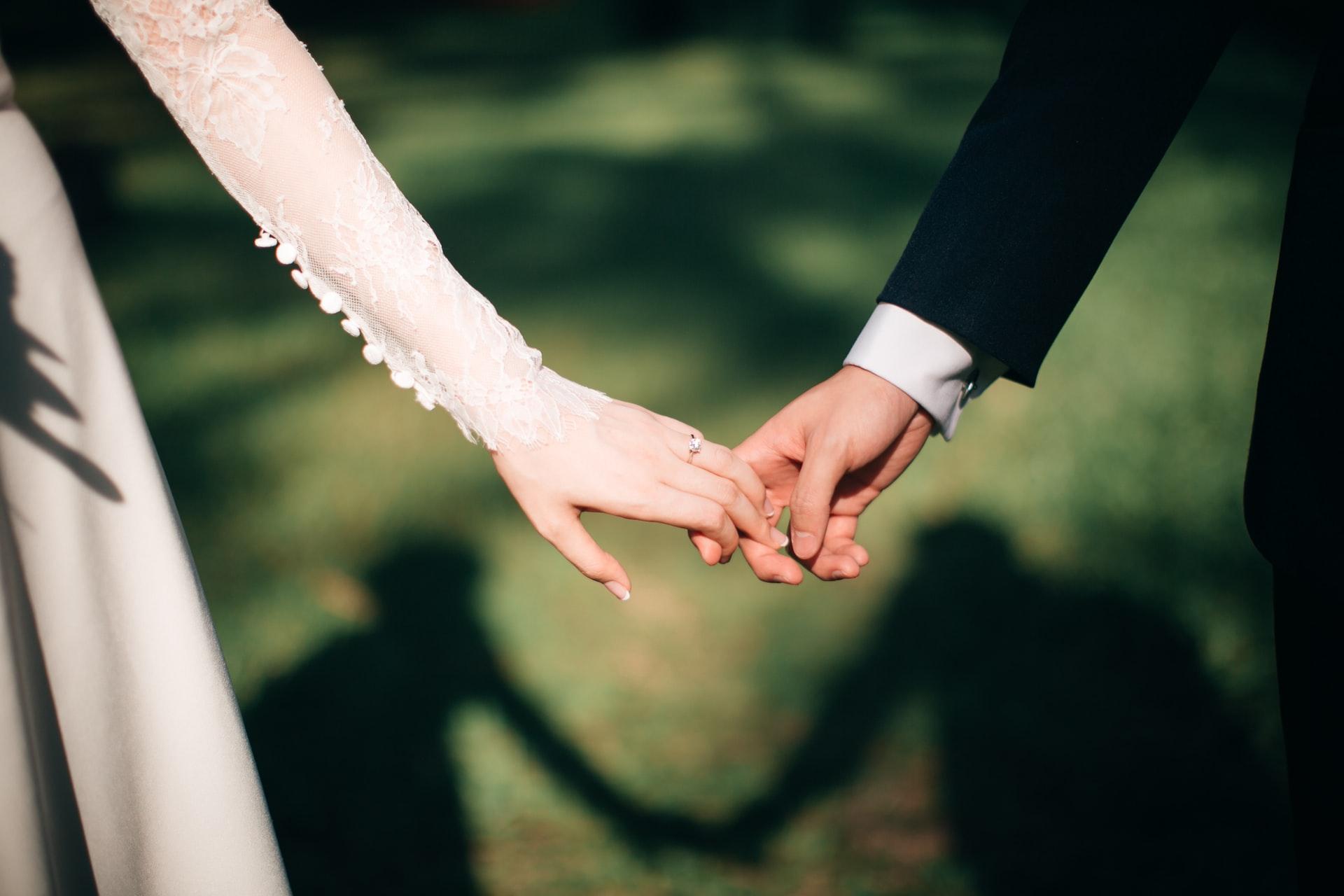 jeremy-wong-weddings-464ps-noflw-unsplash.jpg